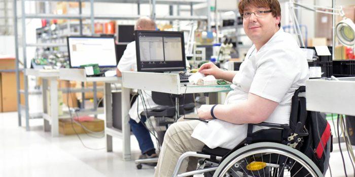 kørestolsbrugere korrekturlæser webtilgængelighed